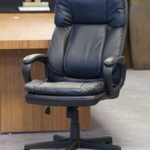 cadeira_office_bermeu_americana_preto_rivatti_1897_3_34058506d14cc25448e674e716549e5c